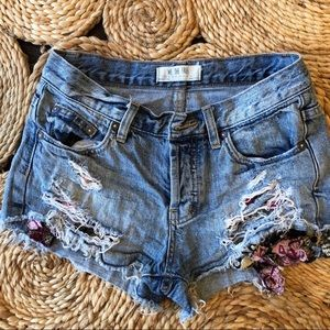 Free people Denim Distressed Shorts Size 24